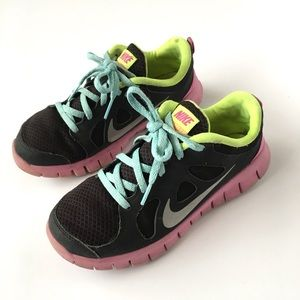 best sneakers dd636 de456 Nike Athletic Sneakers Black Pink Kids 2 Girls